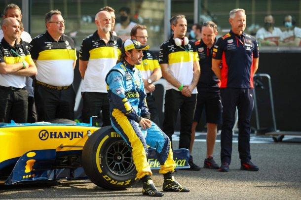 Alonso feliz, vuelve a la F1