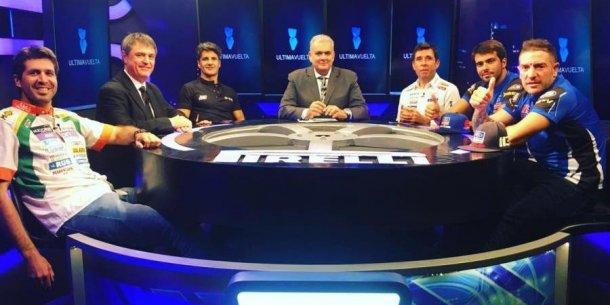 La mesa del programa mas importante de automovilismo de Argentina