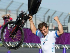 GRAVE ACCIDENTE DE ALEX ZANARDI