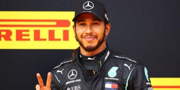 Lewis esta feliz
